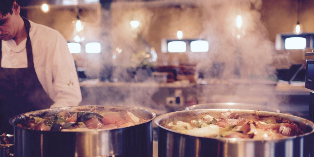 Restaurants Use Ghost Kitchens To Fill Delivery Demand Plain English